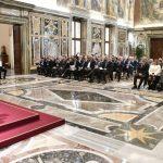 Papa aos Promotores de Feiras: contribuir para uma economia global mais justa e humana